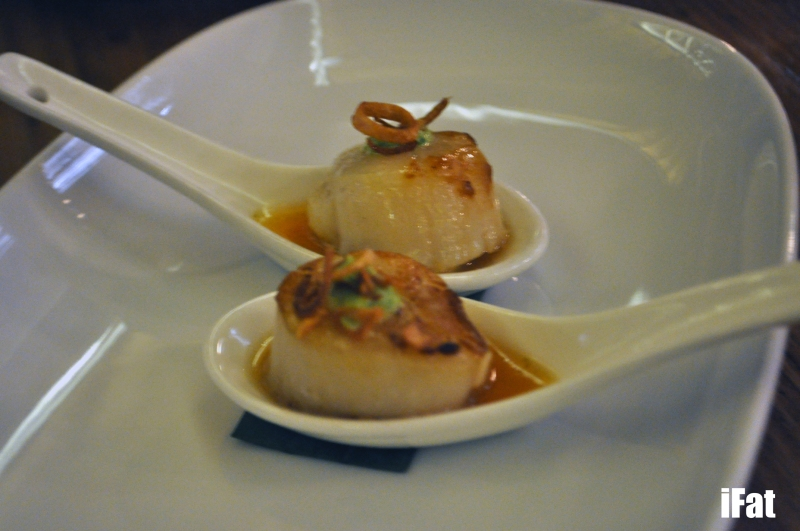 Grilled scallop with Nam Jim and fried shallots